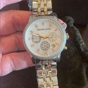 ✨Michael Kors Silver & Gold Watch
